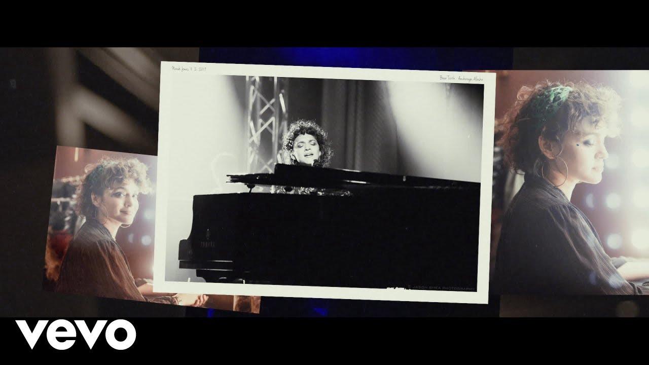 """""""Til we meet again"""", primo album dal vivo per Norah Jones."""