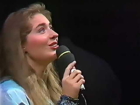 Sissel Kyrkjebø - Don't Cry For Me Argentina - 1989 [CC]