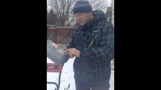 Замена масла в снегоуборочной машине MTD ME61(Как заменить масло в двигателе снегоуборочной машины MTD ME61., 2014-12-07T16:39:44.000Z)