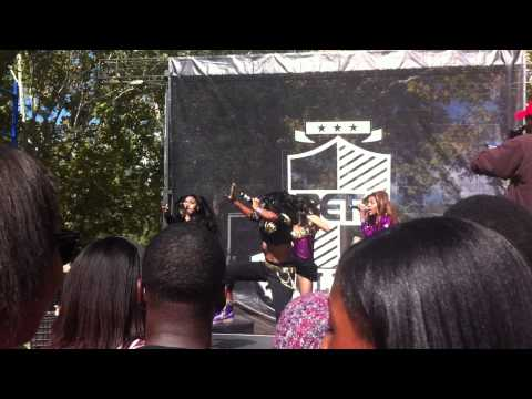 Hi-Riz performing at the Bet College tour pt 1