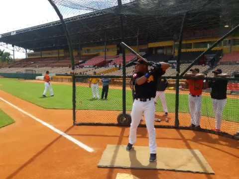 José Miguel Fernandez,jugador cubano se integro a las Aguilad Cibaeñad