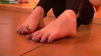 Crush barefoot Barefoot crush