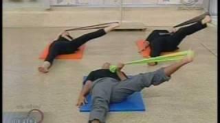 Pilates Mania - Aula com Banda Elástica
