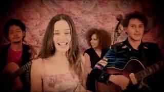 Смотреть клип Monsieur Periné - Nuestra Canción Ft. Vicente García