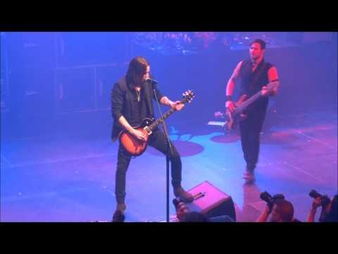 Alter Bridge - Addicted To Pain (Live - AB - Brussels - Belgium - 2013)