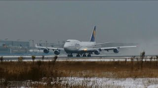 Lufthansa Boeing 747-400 - Departure from Frankfurt [English Subtitles]
