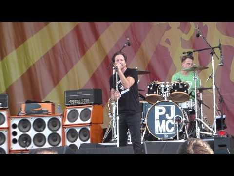 Pearl Jam - Inside Job (Jazz Fest 04.23.16) HD