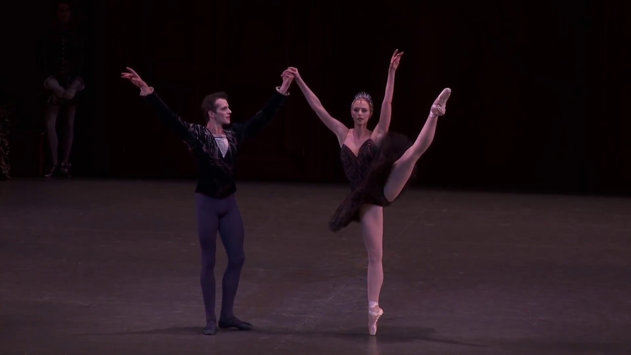Anatomy of a Dance: Russell Janzen on Peter Martins' SWAN LAKE