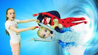 Леди Баг иЭльза Холодное сердце— Видео скуклами, как кукла Леди Баг попала вканализацию