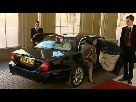 G20 delegates arrive at Buckingham Palace pt1
