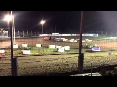 Fig 8 in Brooklyn Raceway @ 7:15pm Sept 20, 2013 Stock Main