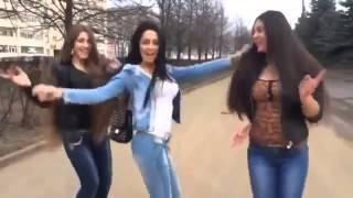 Девушки танцуют, мальчики ревнуют!(Подписывайтесь на канал ▻http://goo.gl/SElivs Теги: