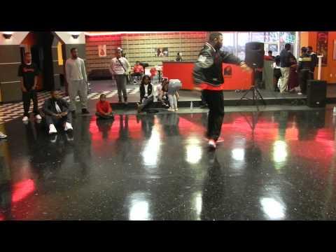 Amazing FOOTWORK Dance Battle !! King Dre vs J R