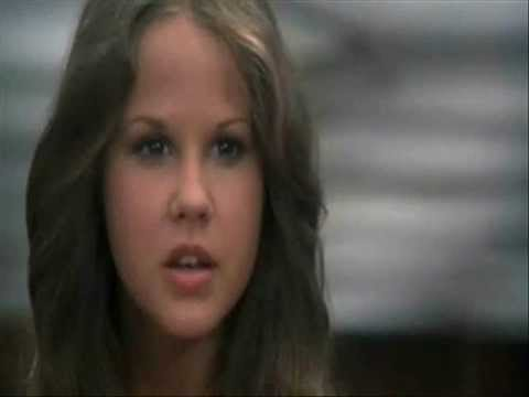 hot images of young linda blair