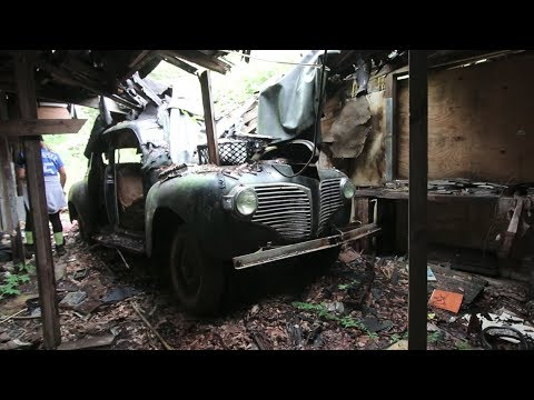 FOUND IN THE WOODS!!! Abandoned Classic Cars!
