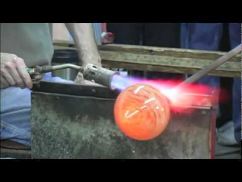 Making A Glass Multi Colored Vase At Kokomo Opalescent Glass Youtube