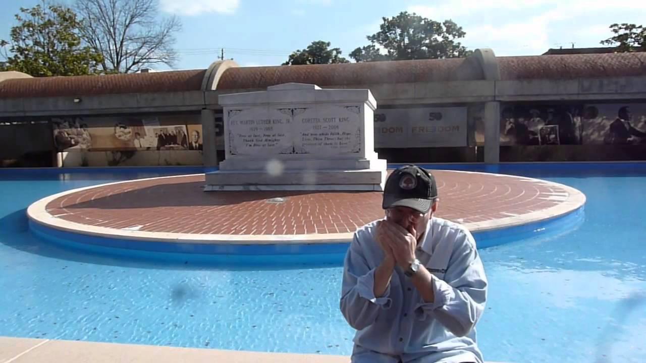Fabrizio Poggi Plays Amazing Grace At Martin Luther King Grave Site