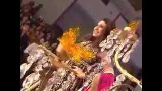 Nivedita Saboo with her elegant show-stopper Karishma Kapoor -  Pune Fashion Week 2012 Thumbnail