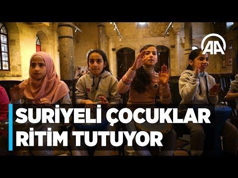Suriyeli çocuklar Türk akranlarıyla ritim tutuyor