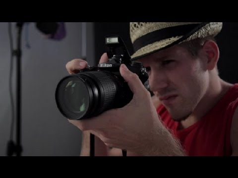 advantages-&-disadvantages-to-using-a-camera's-flash-:-dslr-photography-tips