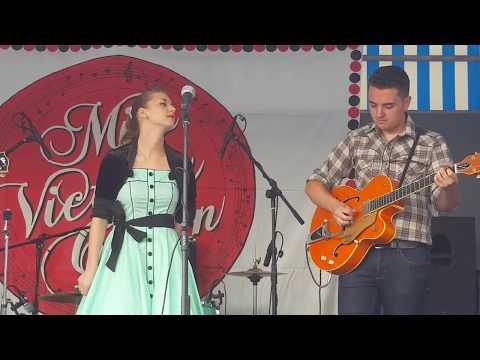Miss Victoria Crown - Concert complet HD Honfleur 12/08/2017