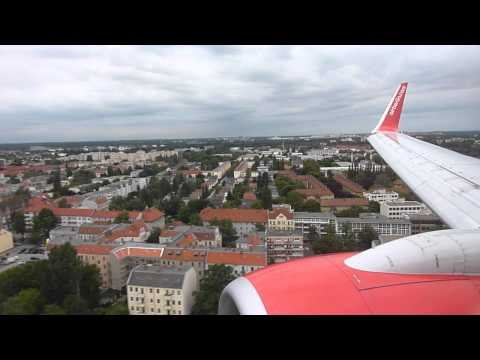 Landung Air Berlin Boeing 737-76J Tegel Berlin + Taxi