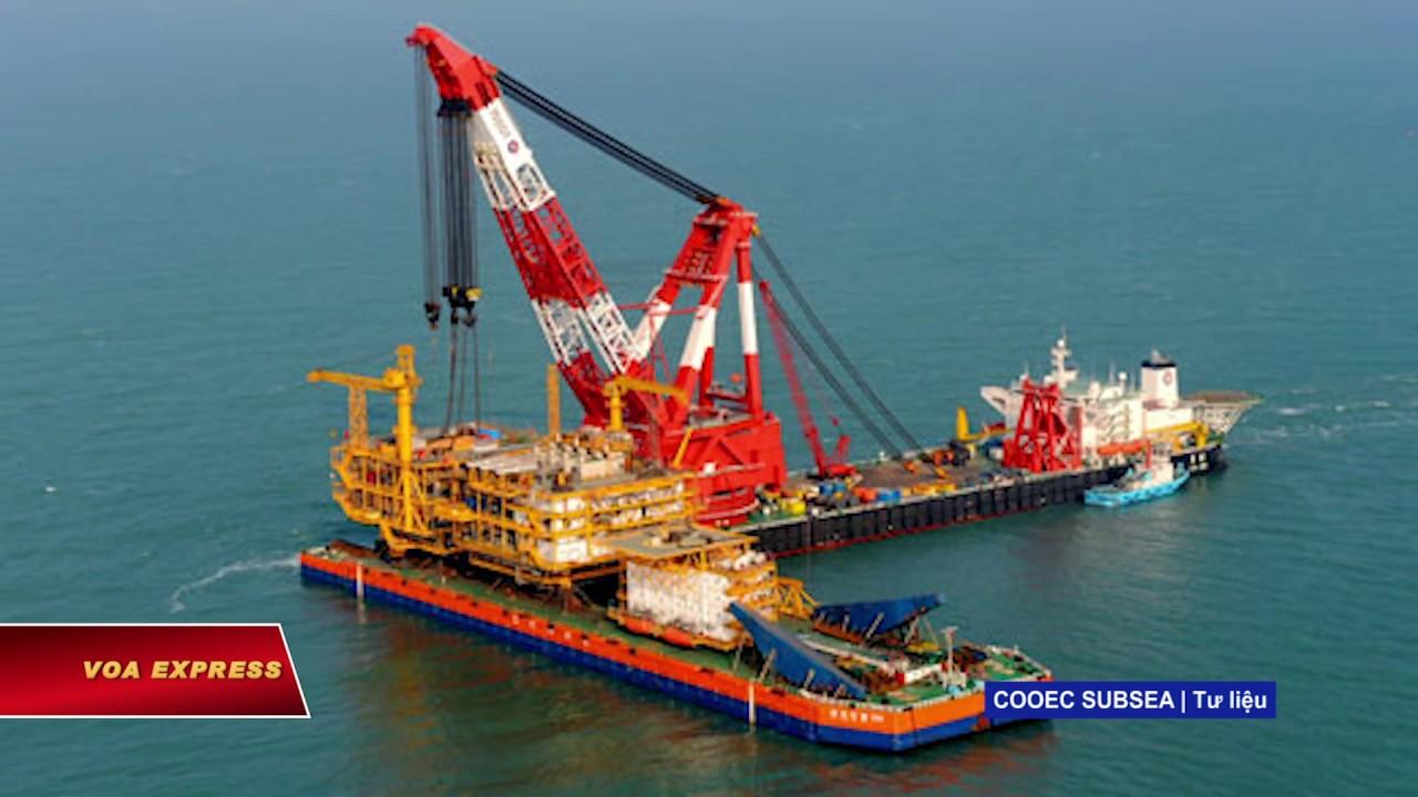 Tàu cần cẩu TQ vào vùng đặc quyền kinh tế VN (VOA)