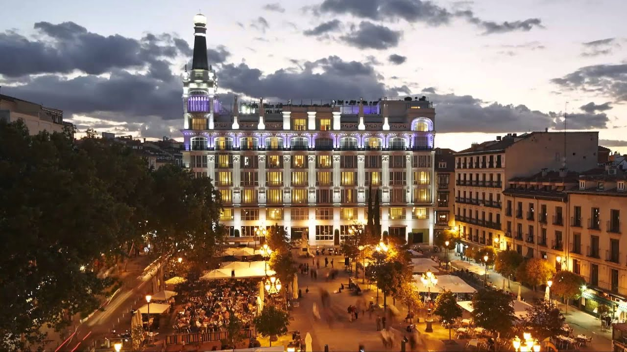 Me Madrid Reina Vistoria Lifestyle Hotel In The Heart Of