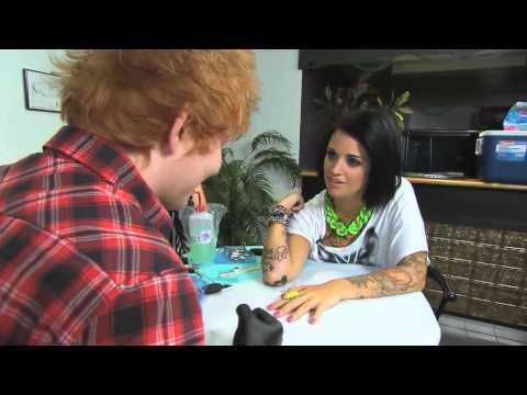 MuchMusic: Ed Sheeran Tattoos Phoebe Dykstra On NML