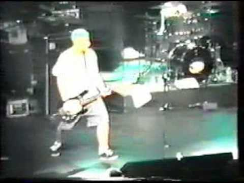blink-182---zulu-live-in-montreal