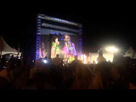 Chi McBride sings Hawaii Five0 theme