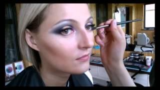 Обучение в школе макияжа Ultra-Style.biz(Любительское видео работы в школе профессионального макияжа Анастасии Александрович http://makeup-school.by Посети..., 2014-07-15T23:00:51.000Z)