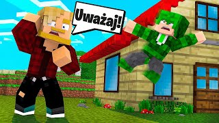 ON SPADŁ Z DACHU! ZŁAMAŁ NOGI?! l Minecraft BlockBurg