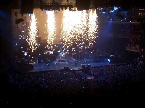 Green Day Live in Chicago (7.13.09) 21 Guns