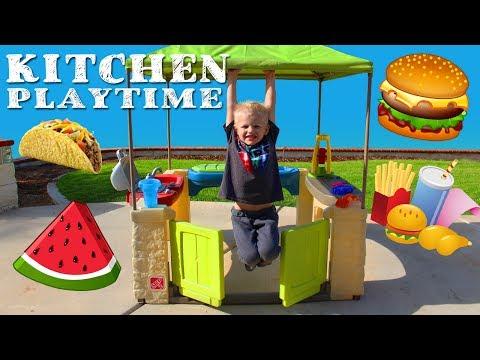 Outdoor Kitchen Playtime Fun!!