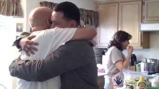 Soldier surprises parents on thanksgiving