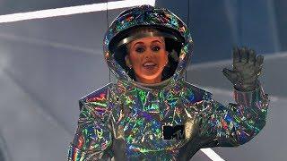 Katy Perry Gives AWKWARD Opening Monologue At 2017 MTV VMAs