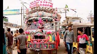 Karachi's famous Vibrant mini bus W11 has lost in shadow