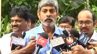 నంది అవార్డుపై విరుచుకుపడ్డ జగపతిబాబు   jagapathibabu on nandi award controv   Fata Fut News