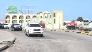 شاهد رئيس الوزراء يضع حجر الأساس لعدة مشاريع في عدن