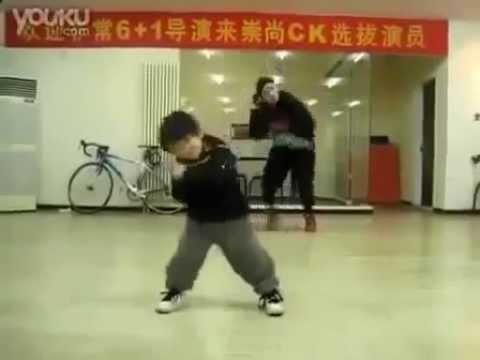 5 летний малыш классно танцует хип хоп! Талантливые дети