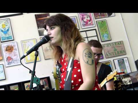 Best Coast - How They Want Me To Be LIVE HD (Record Store Day 2013) Long Beach Fingerprints