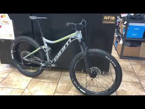 Giant Stance 27.5 1 Mountain Bike