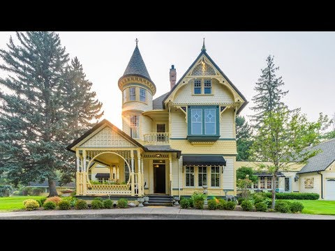 Peek Inside This Amazing Montana Victorian for Sale!