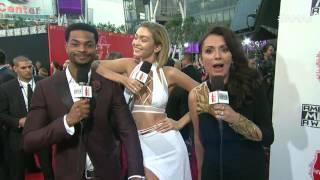 Gigi Hadid Red Carpet Interview - AMAs 2015