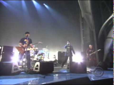 U2 - Beautiful Day - Live at the Grammy Music Awards 2001