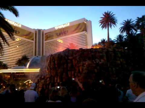 The Mirage Hotel/Casino Volcano Eruption!!!