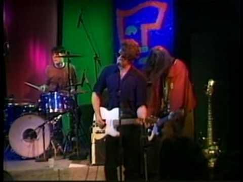 Steve Pride & his Blood Kin perform Mister Bones
