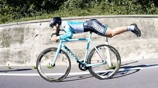 Cyclist Goes Superman on Bike