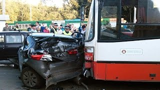 Bus Crashes, Tram Crashes, Trolleybus Crashes compilation 2015 Part 3